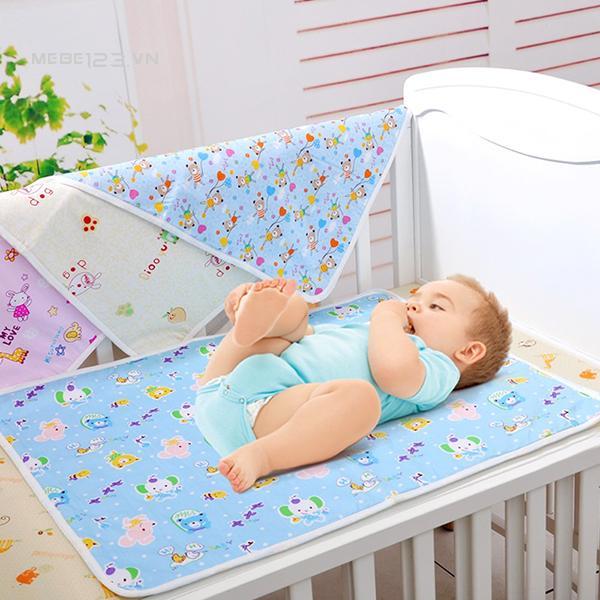 Image result for miếng lót cho bé