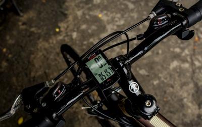 thiết bị theo dõi hoạt động và GPS