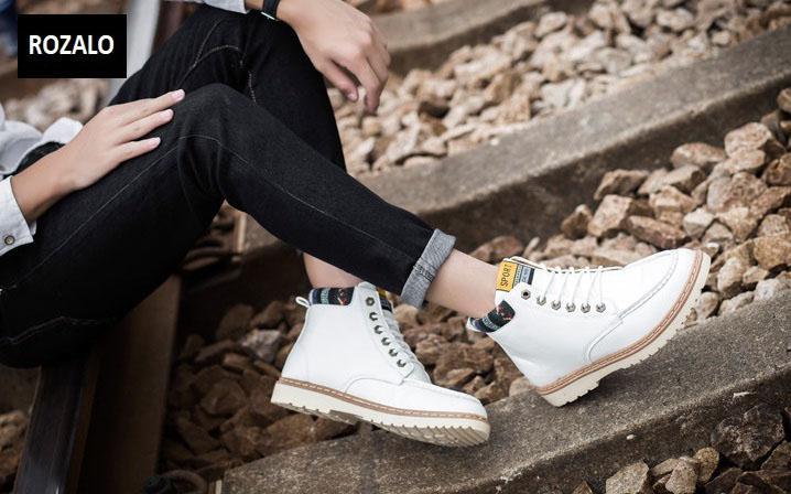 Giày nam cổ cao dã ngoại chống thấm đế bằng Rozalo RM58819W-Trắng4.jpg