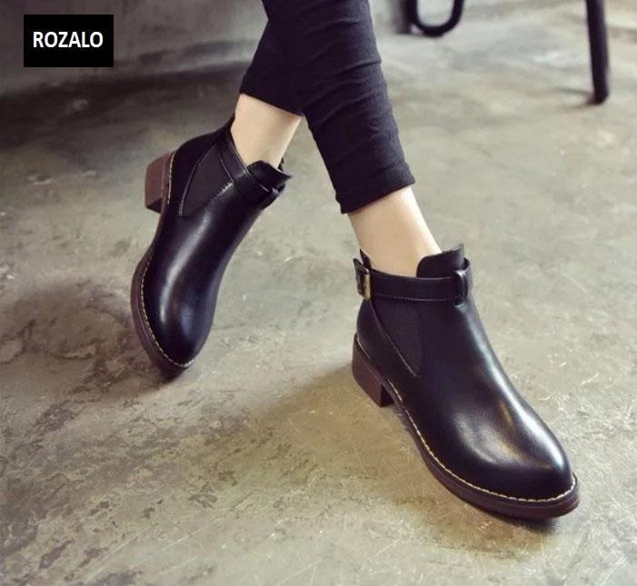 Giày chelsea boots nữ có đai Rozalo RW3758B-Đen4.jpg