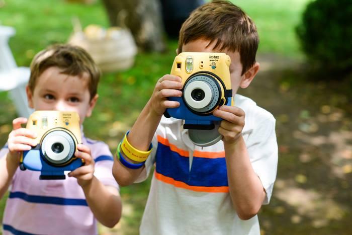 Fujifilm-Minion-Instax-mini-8-Instant-zshop-12.jpg
