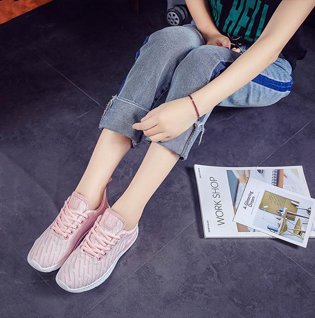 Giày sneaker thời trang nữ Rozalo RW42301P-Hồng.png