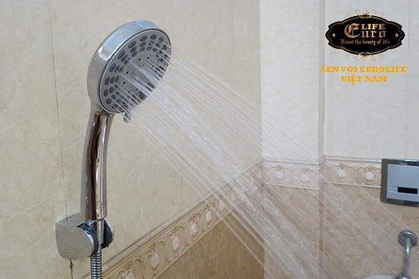 Bộ tay dây sen 5 chế độ nước chảy Eurolife EL-101SH-1.jpg