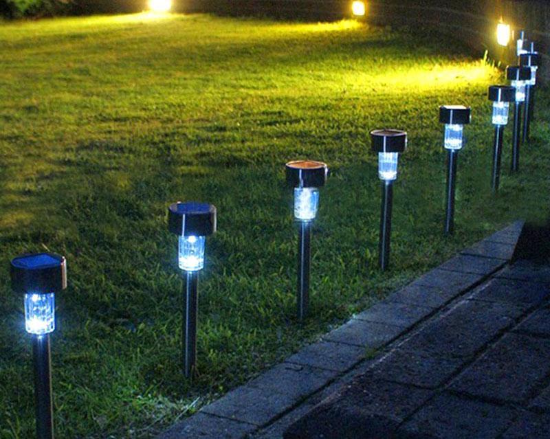 Bộ 4 đèn năng lượng mặt trời sân vườn KSV04