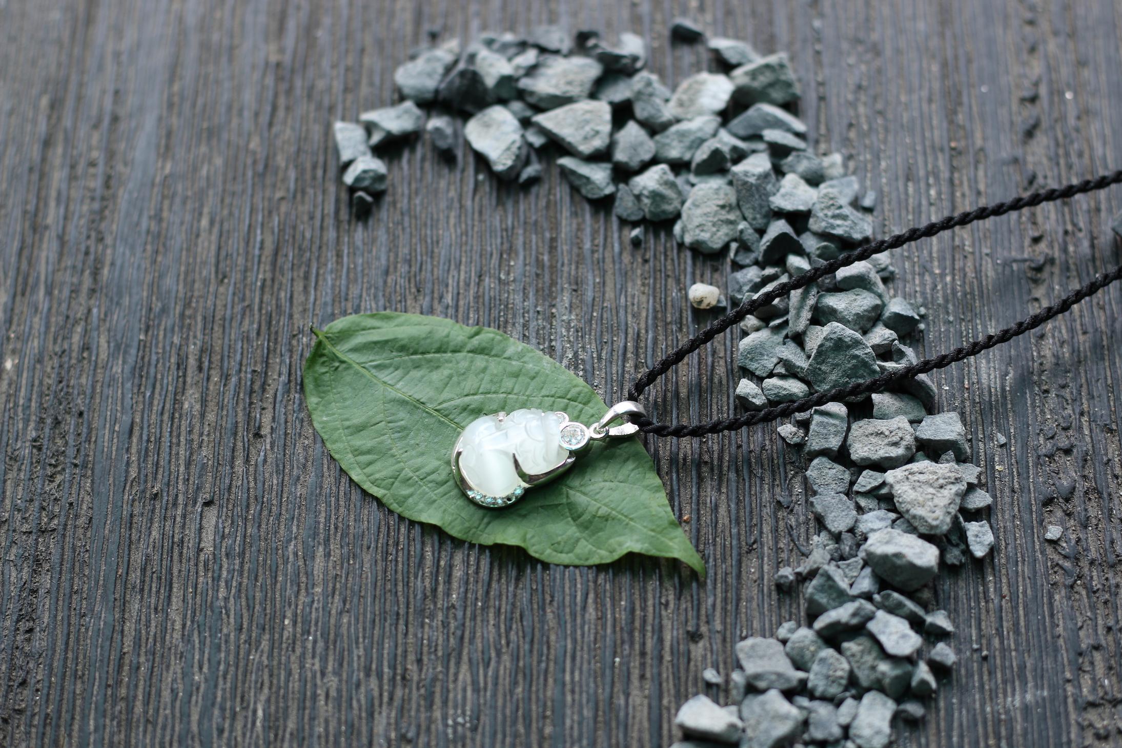 Tỳ hưu pha lê bọc bạc - trắng 2.JPG
