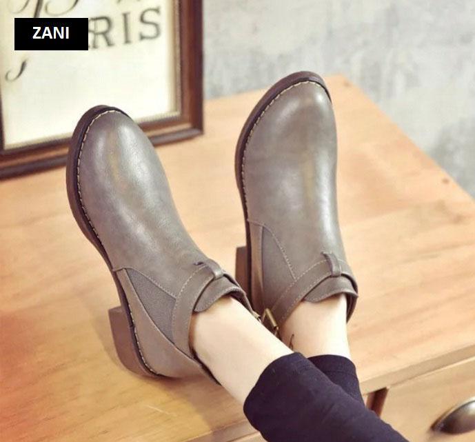 Giày chelsea boots nữ có đai Rozalo RW3758B-Đen5.jpg