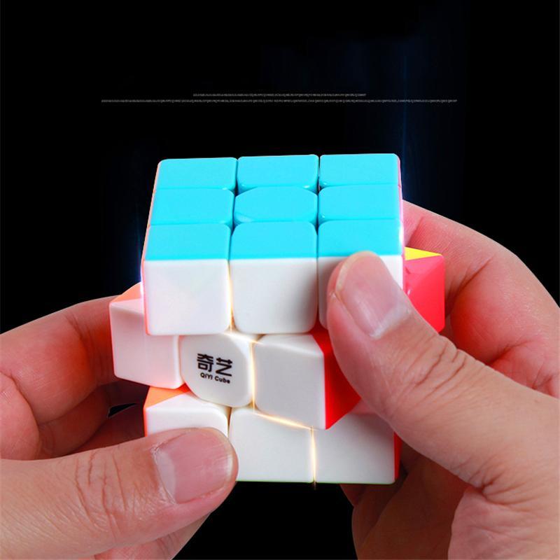 Đồ chơi Giáo Dục Rubik QiYi phát triển kỹ năng trí não (stickerless)