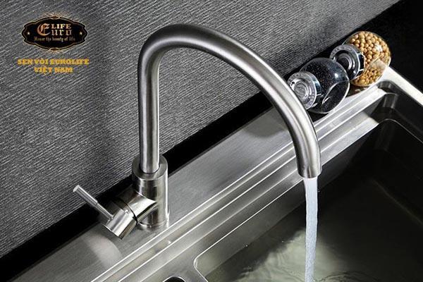 Vòi rửa chén nóng lạnh Inox SUS 304 Eurolife EL-T003-.jpg