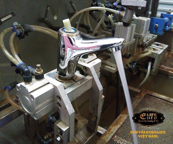 Vòi lavabo nóng lạnh Eurolife EL-6002-2.jpg