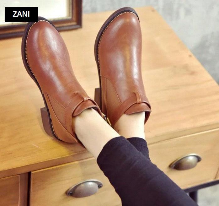 Giày chelsea boots nữ có đai Zani ZW3758B-Đen