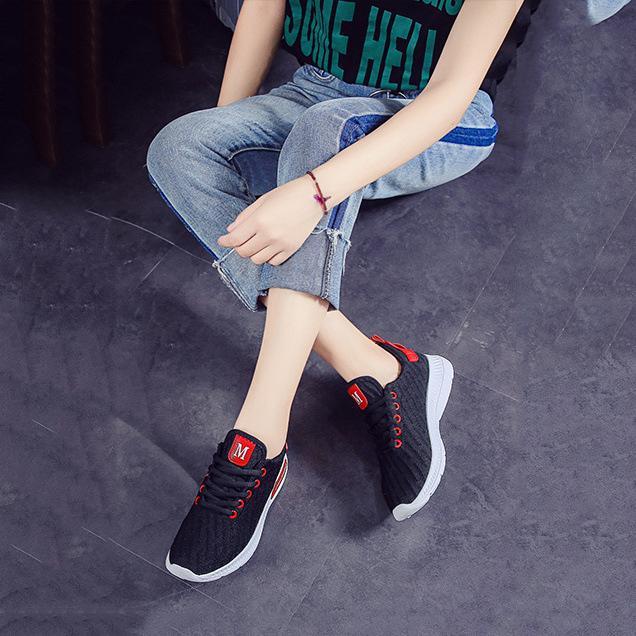 Giày sneaker thời trang nữ Rozalo RW42301B-Đen.png