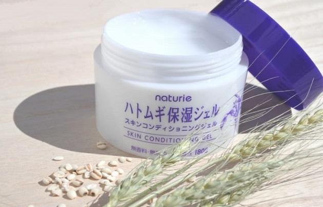 kem-duong-da-naturie-skin-conditioning-gel-review.jpg