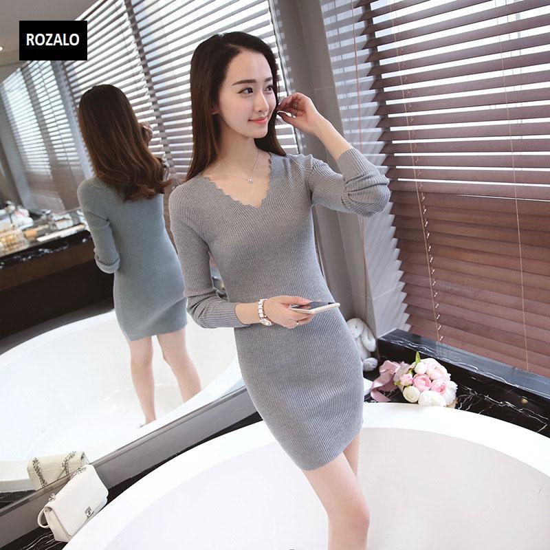 Đầm len dài tay thu đông cổ V Rozalo RW2651G-Xám4.jpg