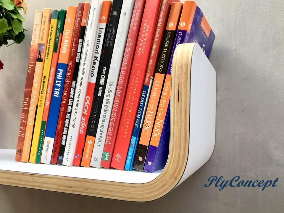 Kệ sách treo tường uốn cong PlyConcept Book Shelf