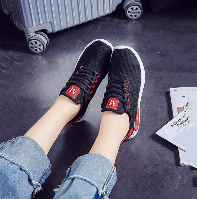 Giày sneaker thời trang nữ Rozalo RW42301B-Đen3.png