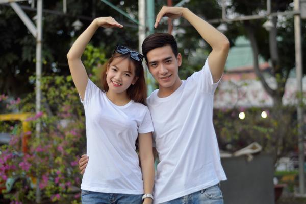 áo thun cặp màu trắng