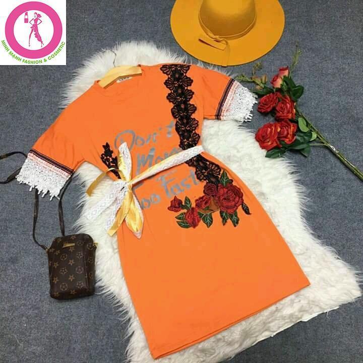 Đầm suông kết hoa kèm belt D169