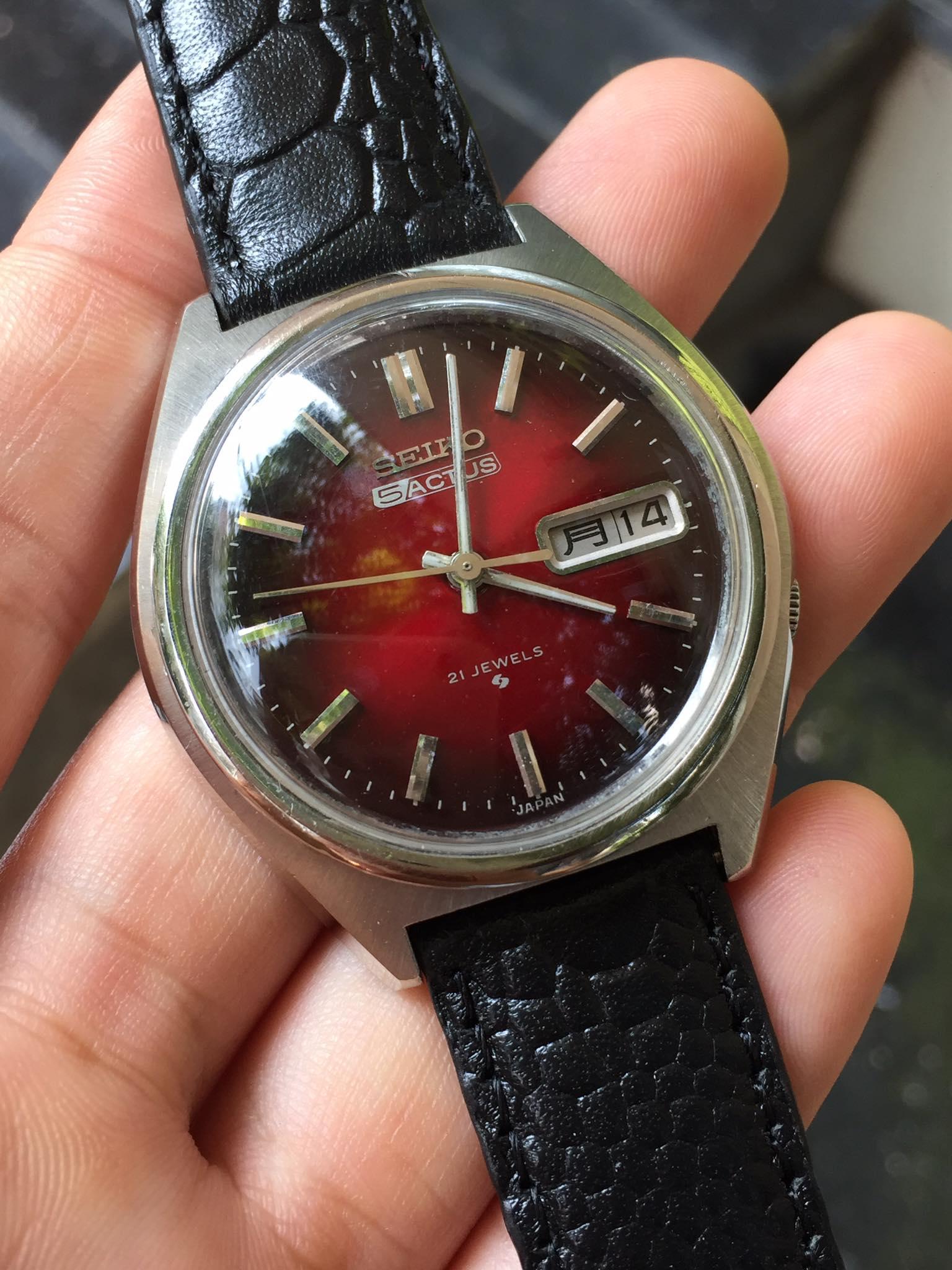 [HCM]Đồng hồ nam Seiko 5 Actus cơ automatic 21 jewels mặt đỏ có ô cửa lịch dây da