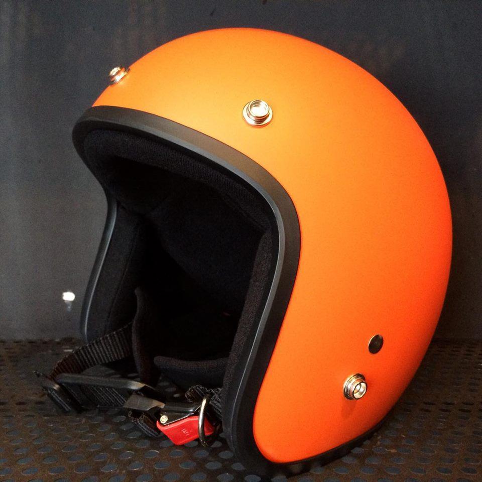 Nón bảo 3/4 chuyên phượt chất liệu cao cấp bền chắc chống va đập tốt Quai nón chịu lực cao (Cam)
