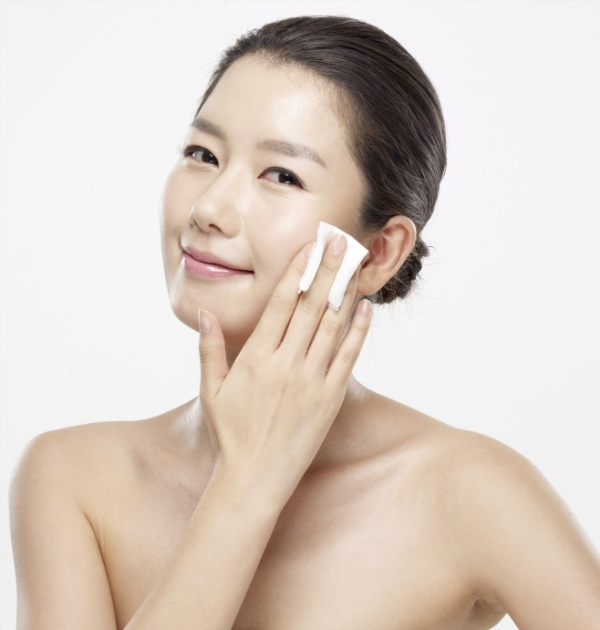 Image result for Kem tẩy trang cho da nhạy cảm Beauskin Sensitive Mild Cleansing Cream