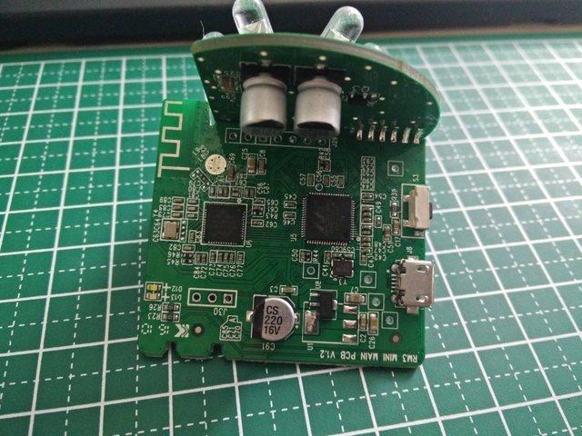 Broadlink RM Mini 3 - bo mạch mặt trước