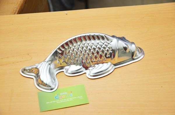 Khuôn làm bánh trung thu hình cá www.BuonCucRe.com