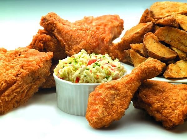 Gà rán kiểu KFC với bếp chiên công nghiệp