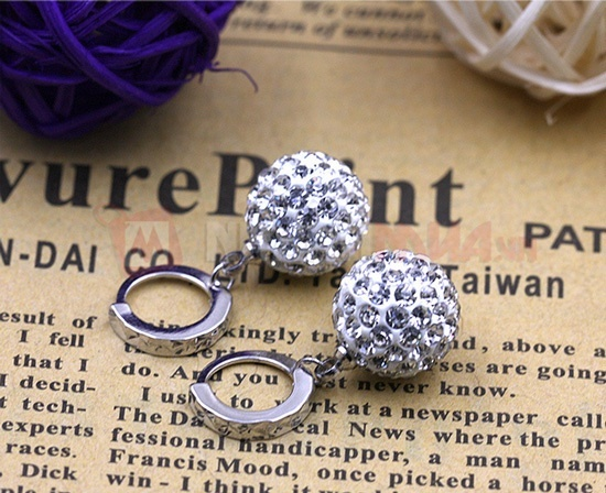 Đôi bông tai hạt châu kim cương