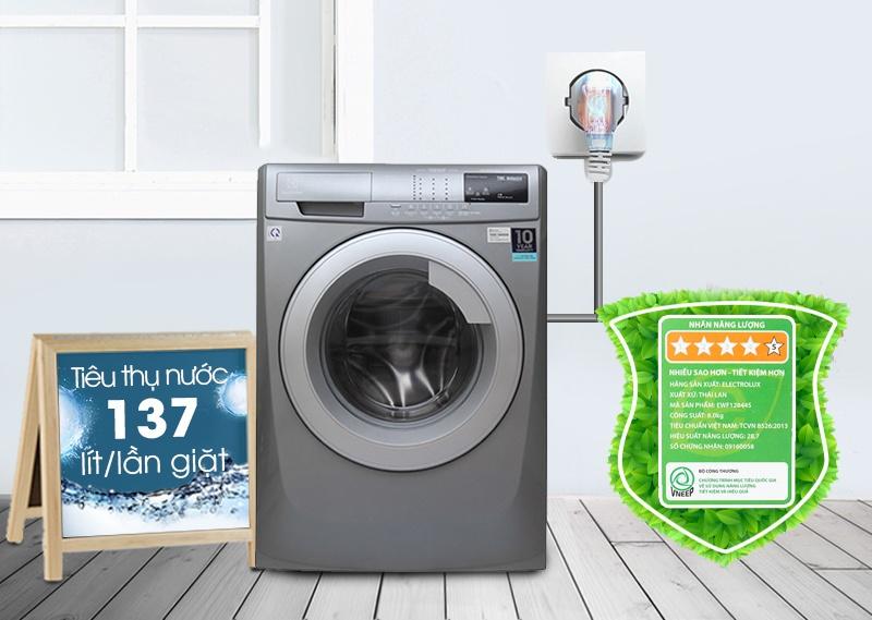 Khả năng tiết kiệm điện năng và nước của máy giặt Electrolux EWF12844S sẽ giúp bạn tiết kiệm được khoản tiền không hề bé