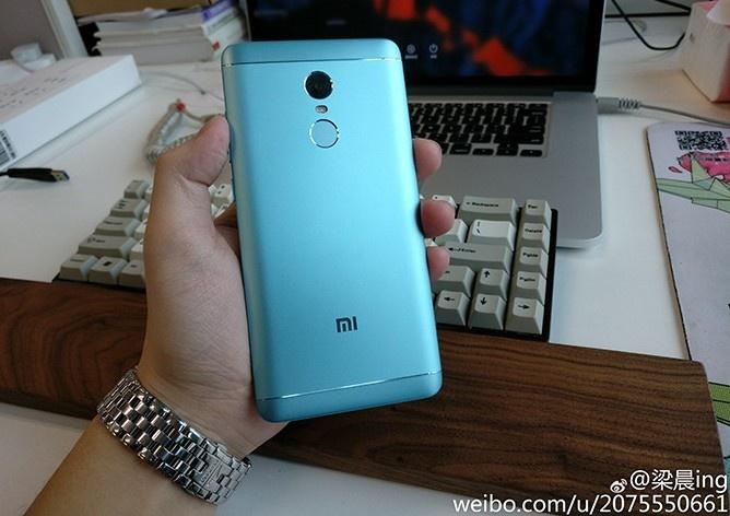 đánh giá thiết kế xiaomi redmi note 4x miku edition màu xanh