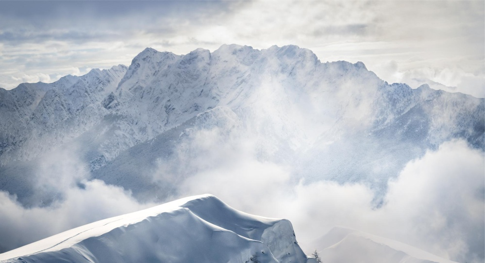 Image of mountains covered in snow