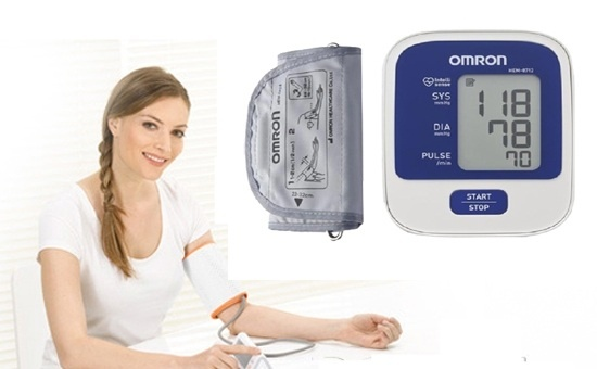 Máy đo huyết áp bắp tay Omron HEM - 8712 phân phối bởi YTELOC