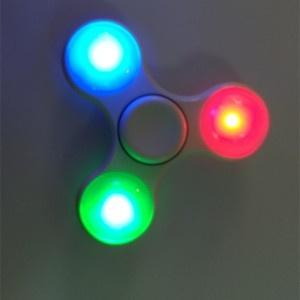 con quay 3 canh fidget spinner 2 kiểu đèn Led 5