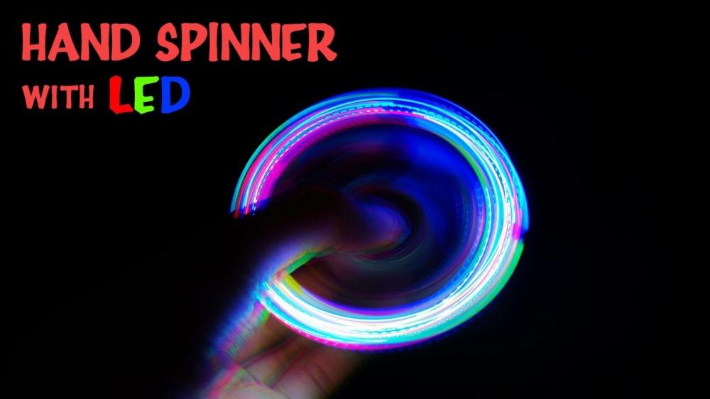 con quay 3 canh fidget spinner 2 kiểu đèn Led 7