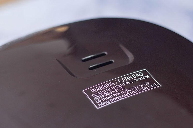Nồi cơm điện Panasonic 1.8 lít SR-ZS185TRAM