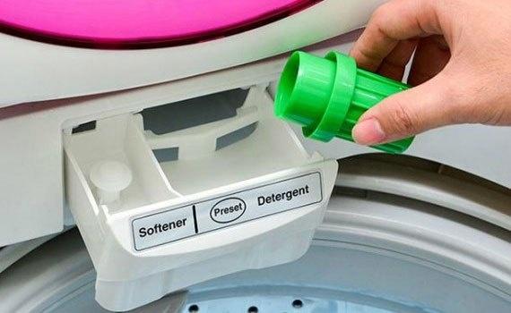 Bột giặt Omo 3kg dùng cho giặt tay lẫn giặt máy