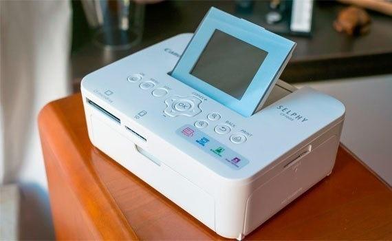 Máy in ảnh Canon Selphy CP1000 mang thiết kế nhỏ gọn