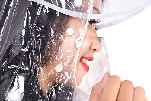 Áo mưa trong suốt 1 đầu có che mặt