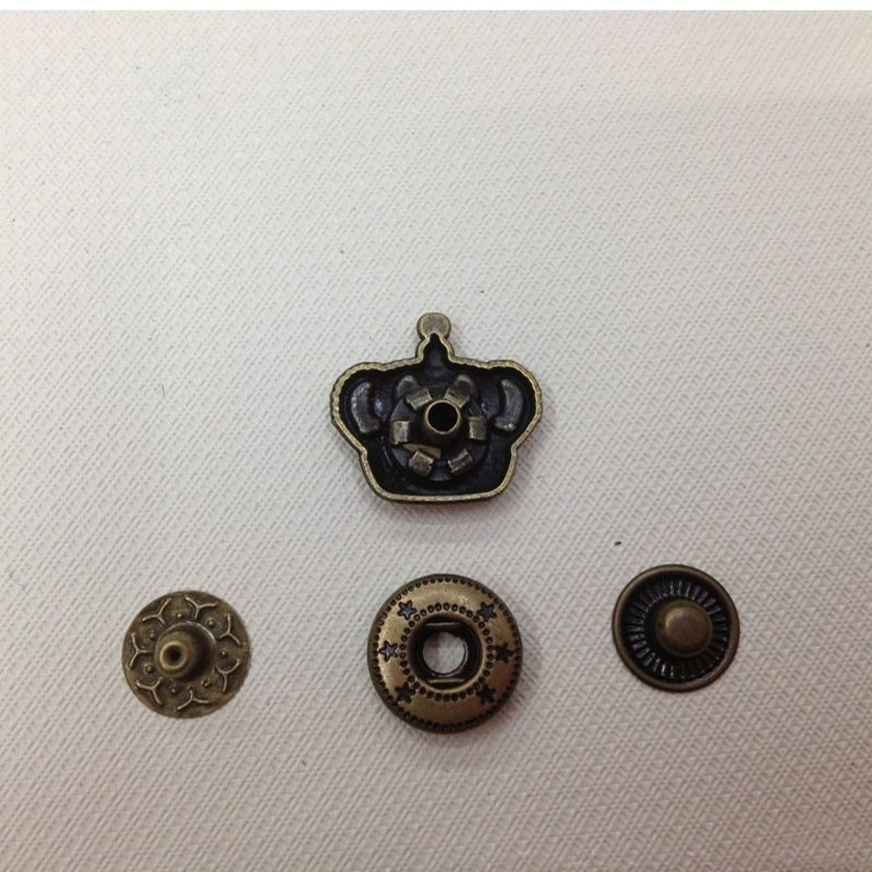 Metal Snap Button Imperial Crown (2)