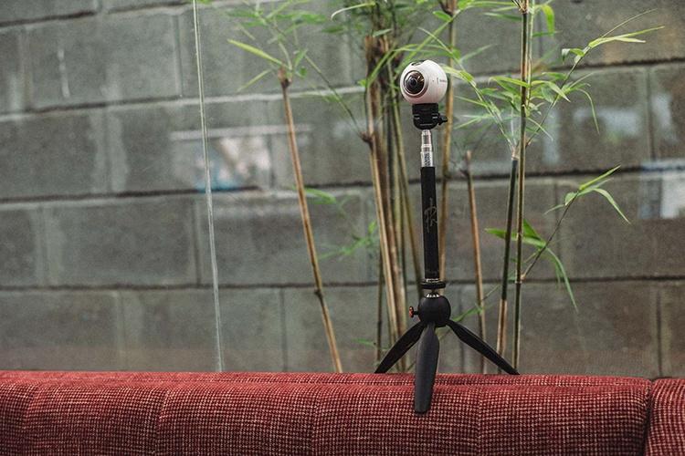 Máy chụp ảnh 360 độ Samsung Gear 360 SM-C200 - Hàng Chính Hãng